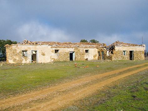 Разрушенные ландшафты и покинутые фермерские хозяйства: результат нарушенного водного баланса (Испания)