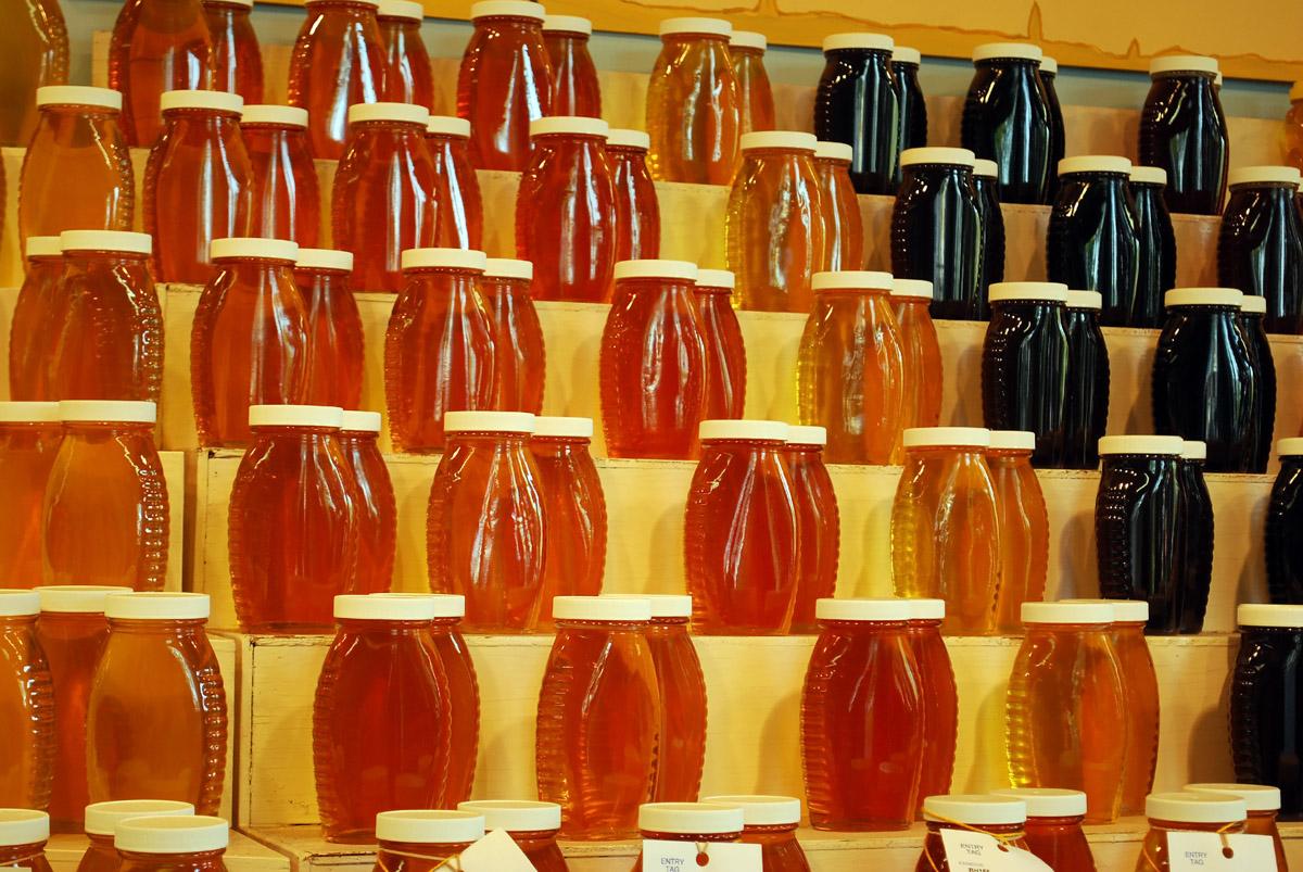 Фото 6. Искусственный мед