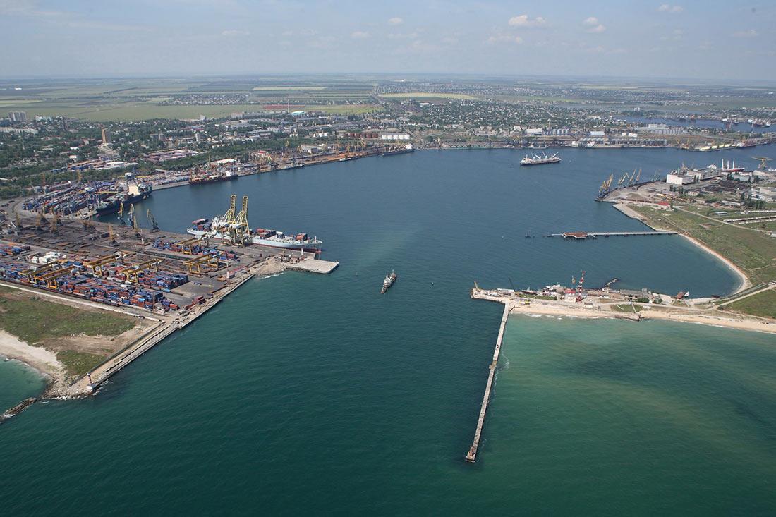 Морський порт Чорноморськ переробив понад 20 млн. тонн вантажів