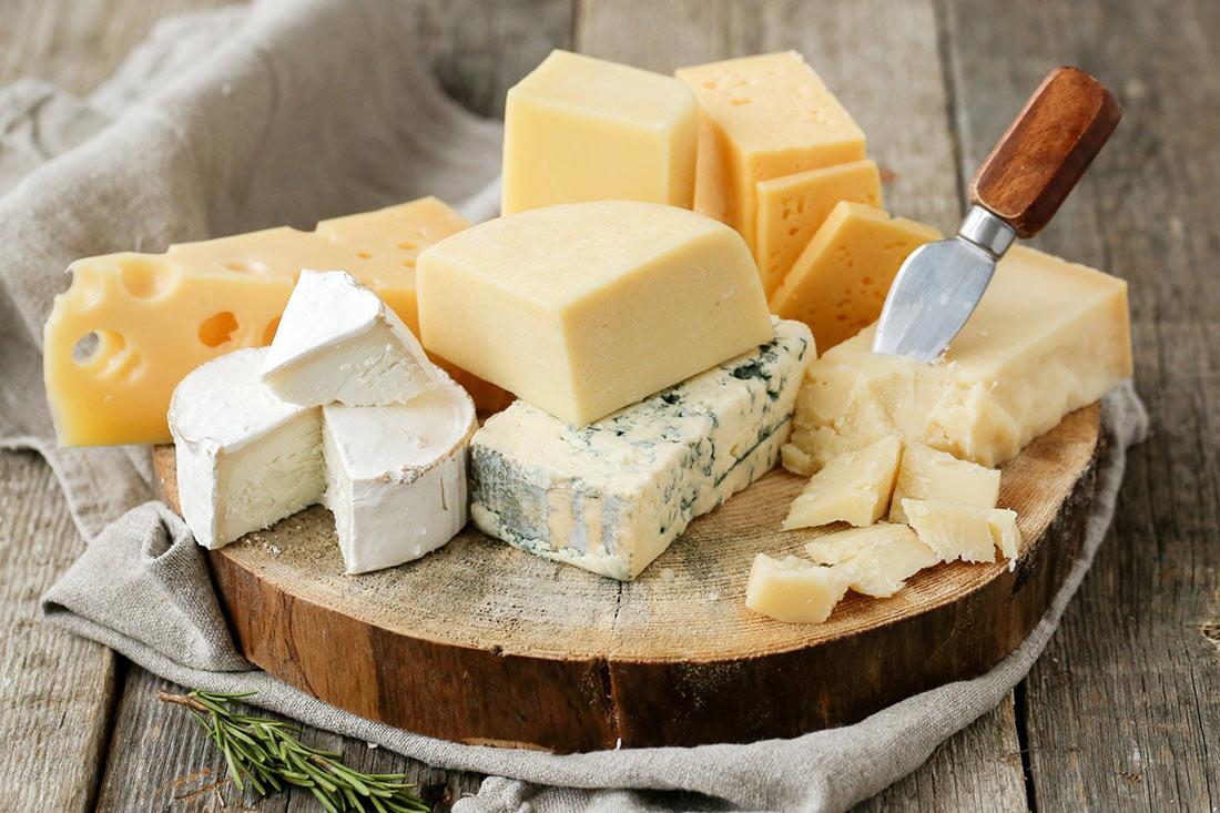 Украина активно импортирует сыр, молоко и сливки