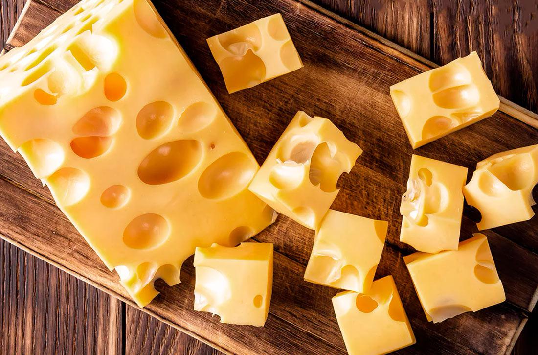 Купуємо закордонний сир: у кого і скільки