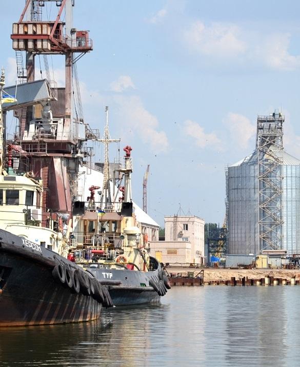 АМПУ распространила данные по грузообороту морских портов за полугодие