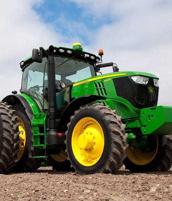 В Украине начали блокировать сельхозтехнику